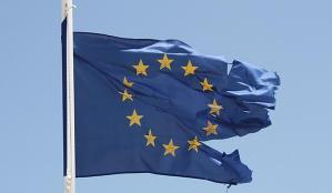 eu-flag-torn1429967036